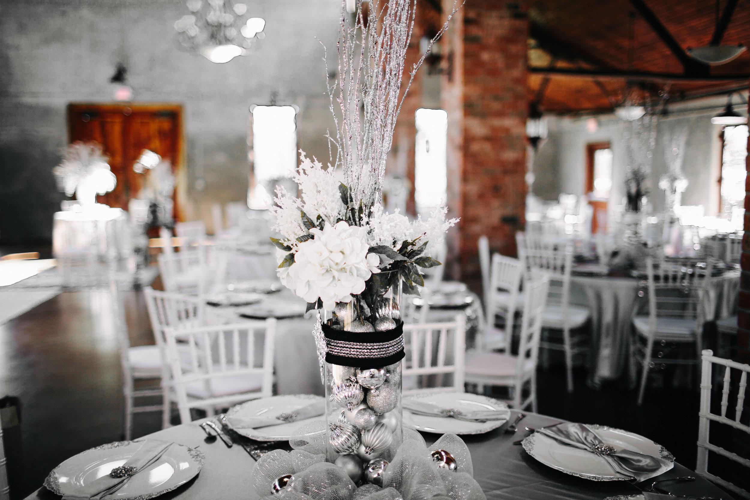 Winter Wedding at Olde Dobbin Station - Madeleine Frost Wedding Photographer-0444.jpg