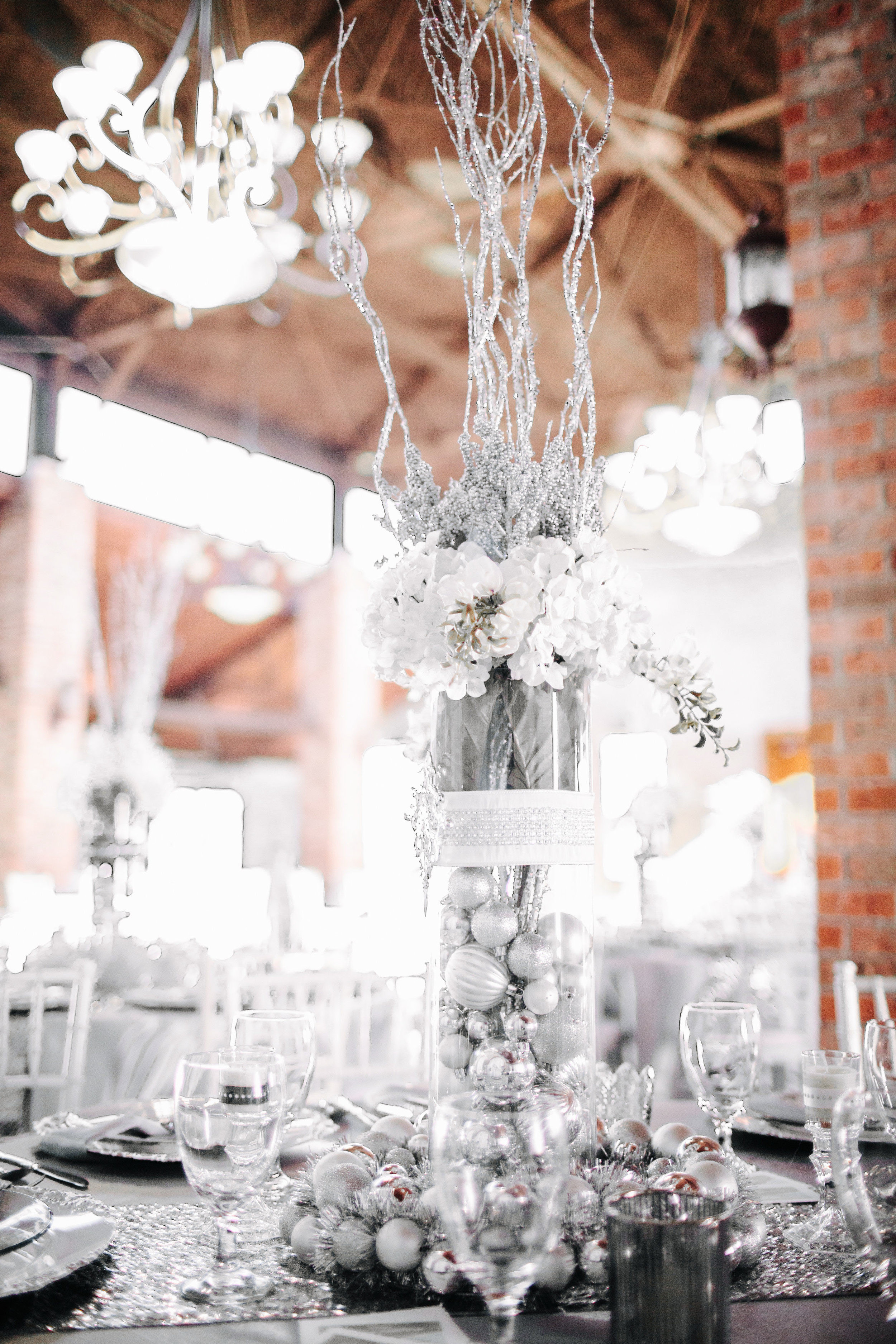 Winter Wedding at Olde Dobbin Station - Madeleine Frost Wedding Photographer-0466.jpg