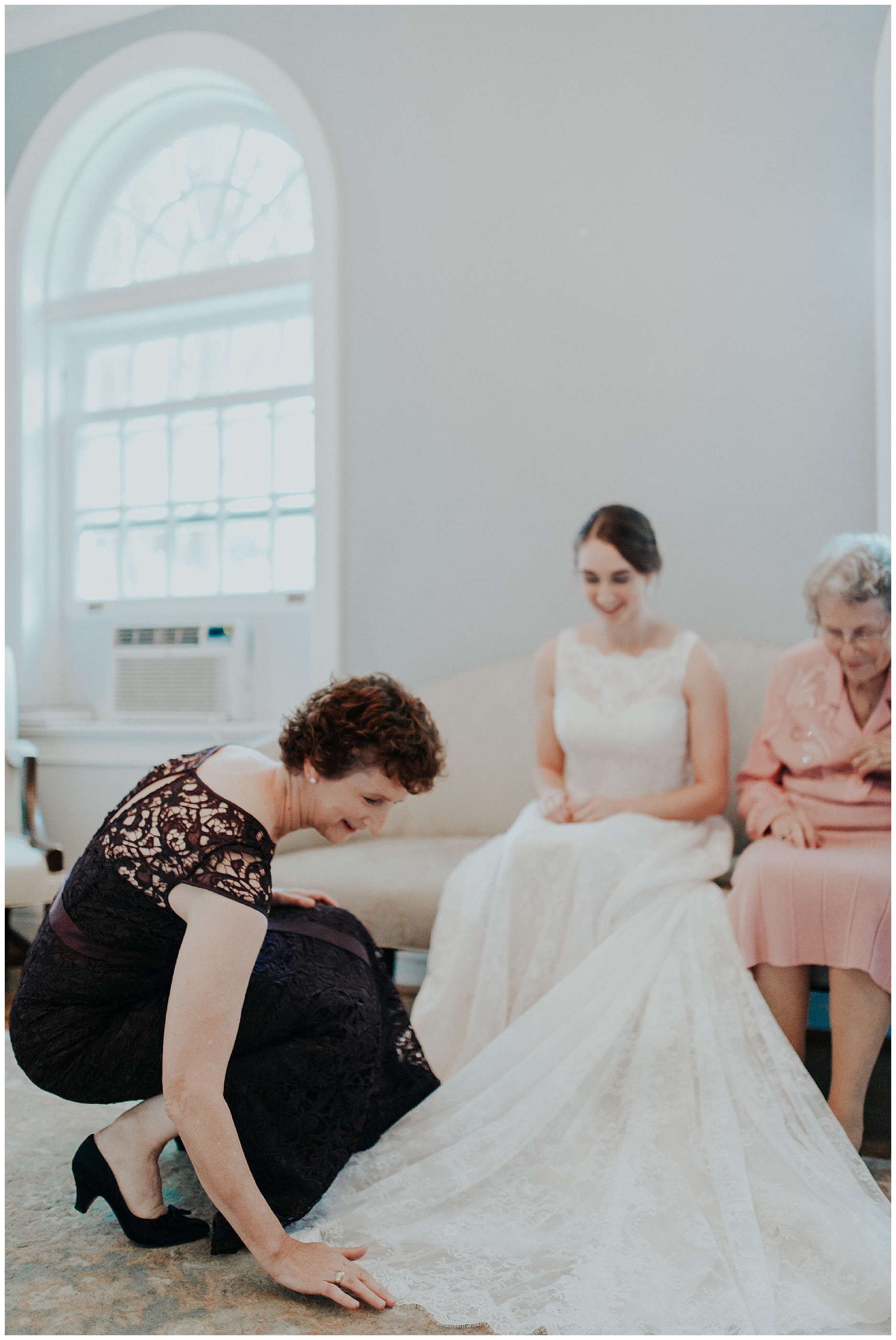 Madeleine Frost - Houston Texas Adventure Wedding Photographer - First Presbyterian Church-1134.jpg