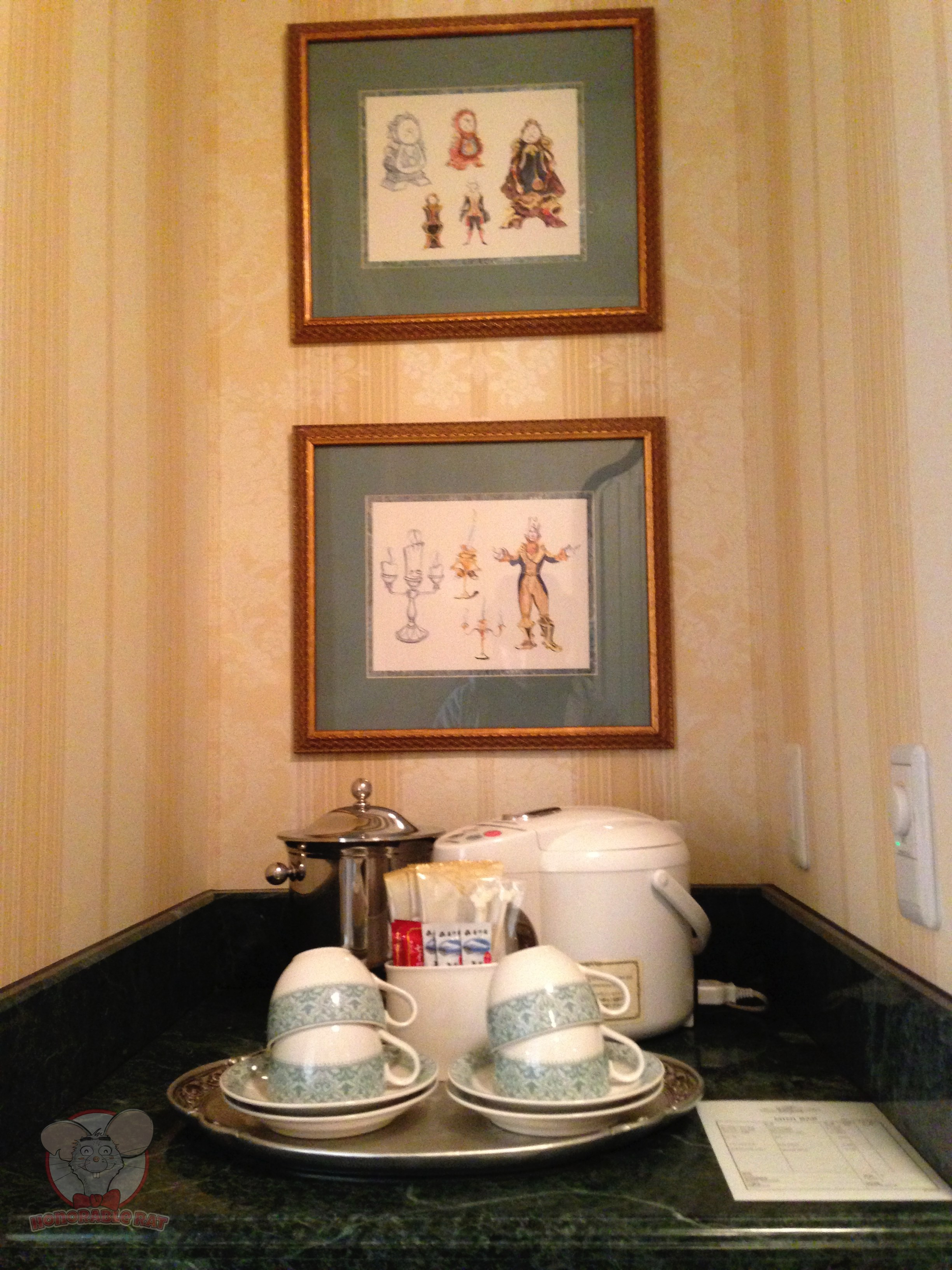A little pantry area with complimentary tea and coffee