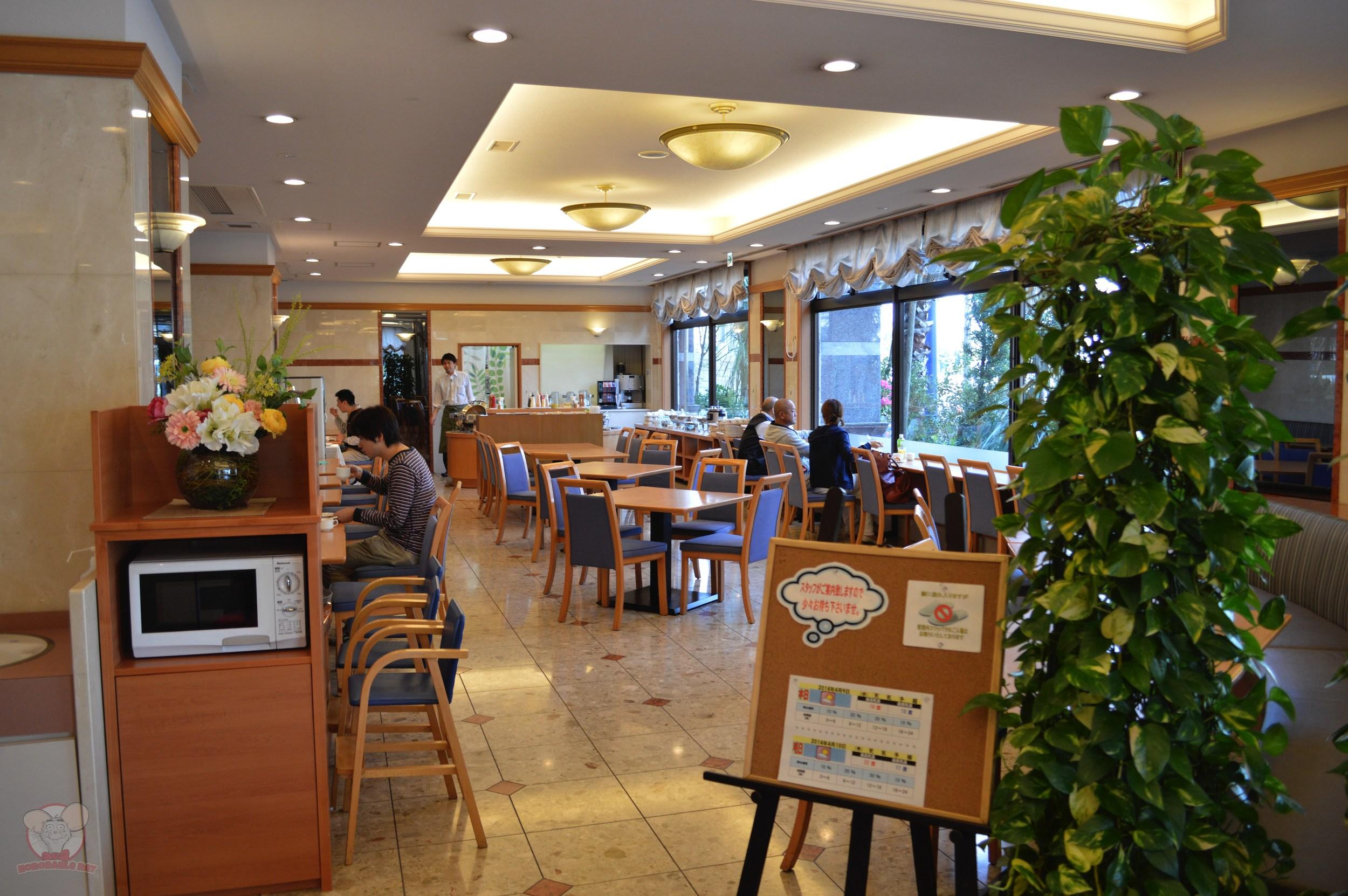 Breakfast Buffet area (1,100 yen foranyone aged 7 and over, 700 yen for children aged 3 – 6 and free for children under 2)