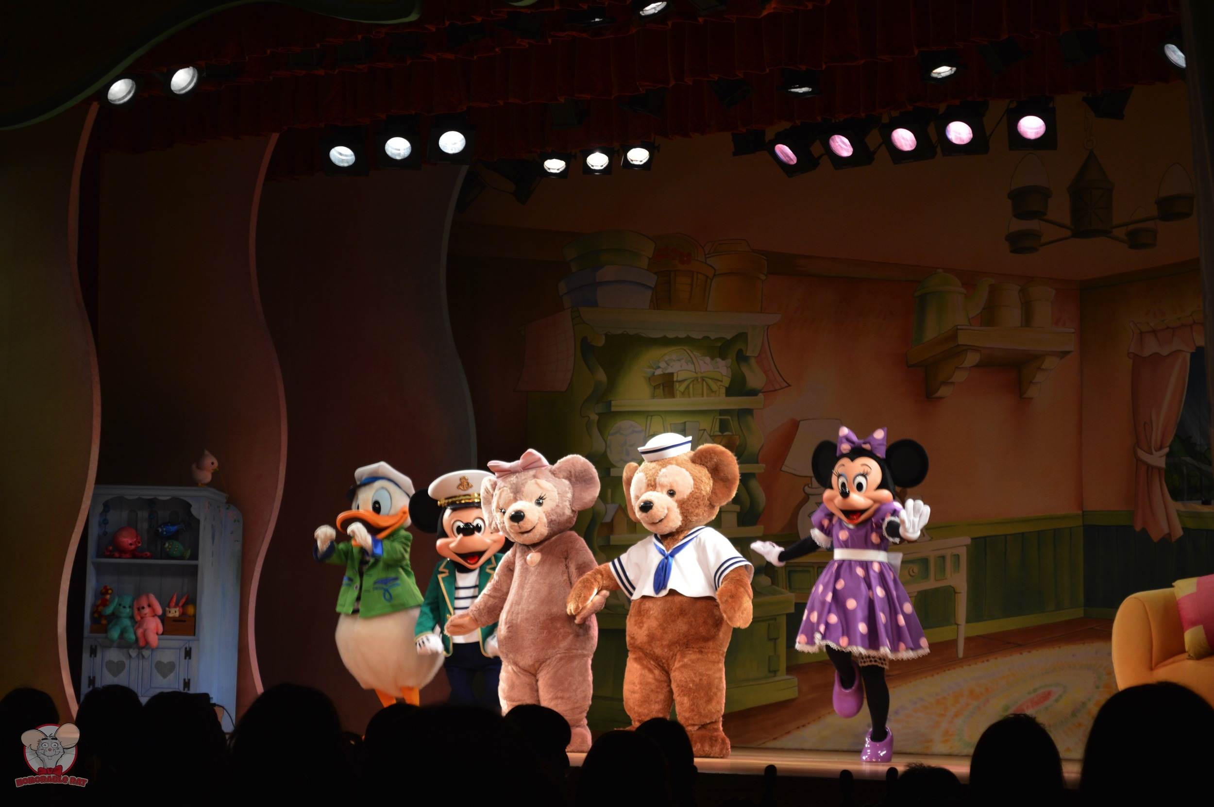 Duffy and his friends entertain you while you eat