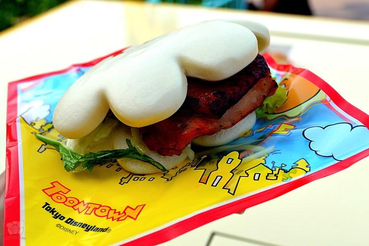 Roasted Chicken on Chinese Bun (Mickey Handwich)