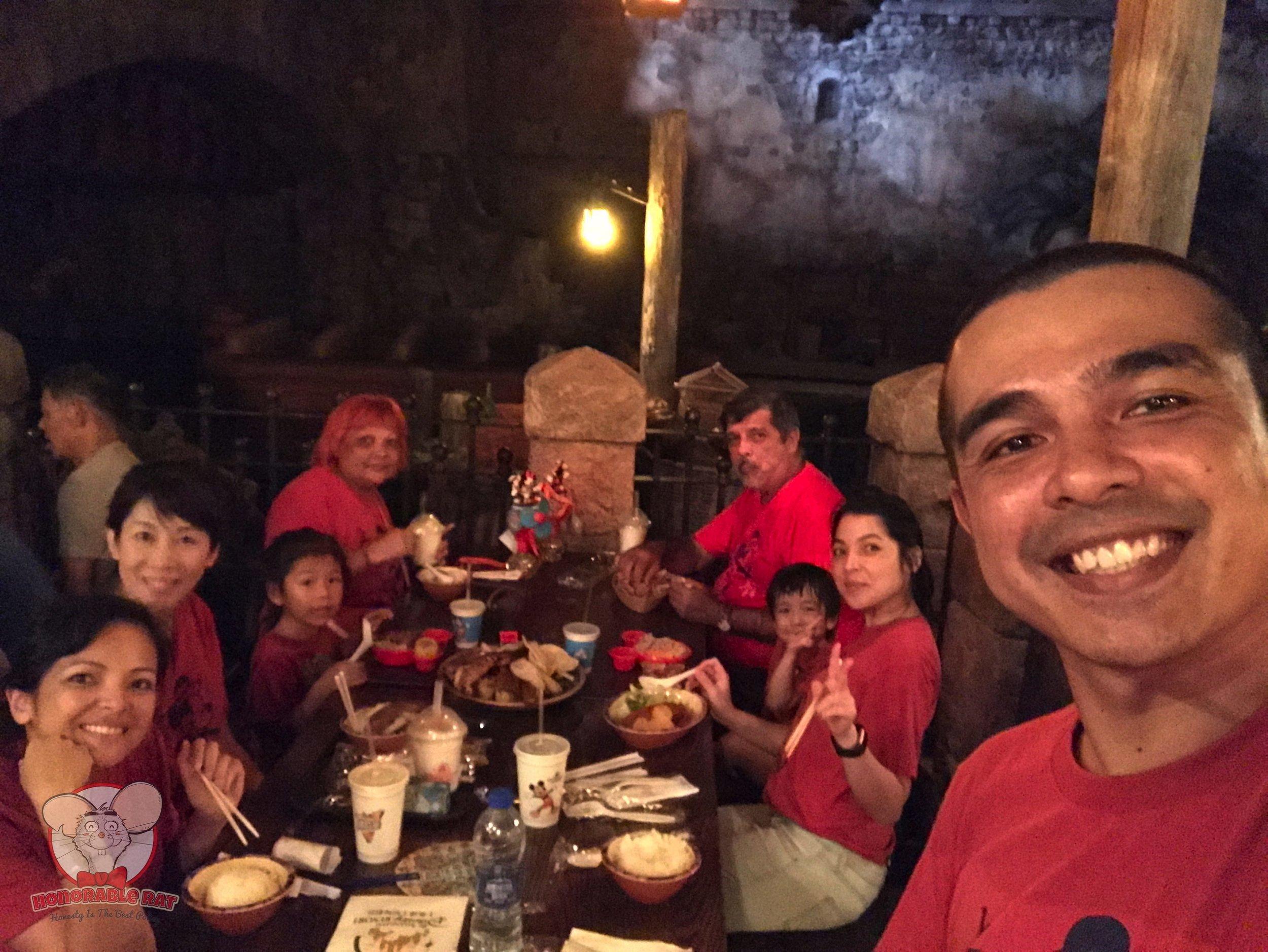 Lunch in Barbossa's Bounty