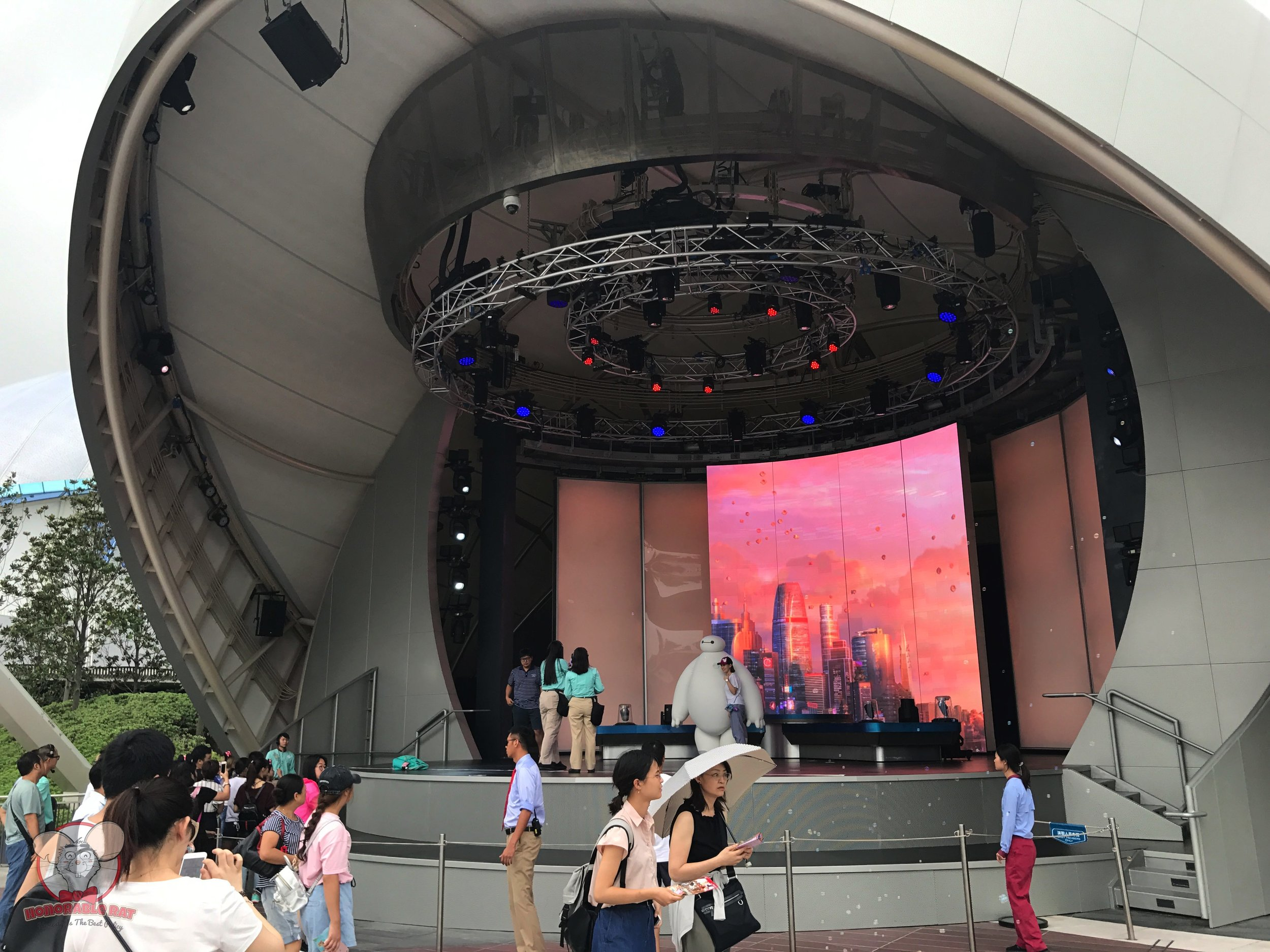 Meeting Baymax in Tomorrowland