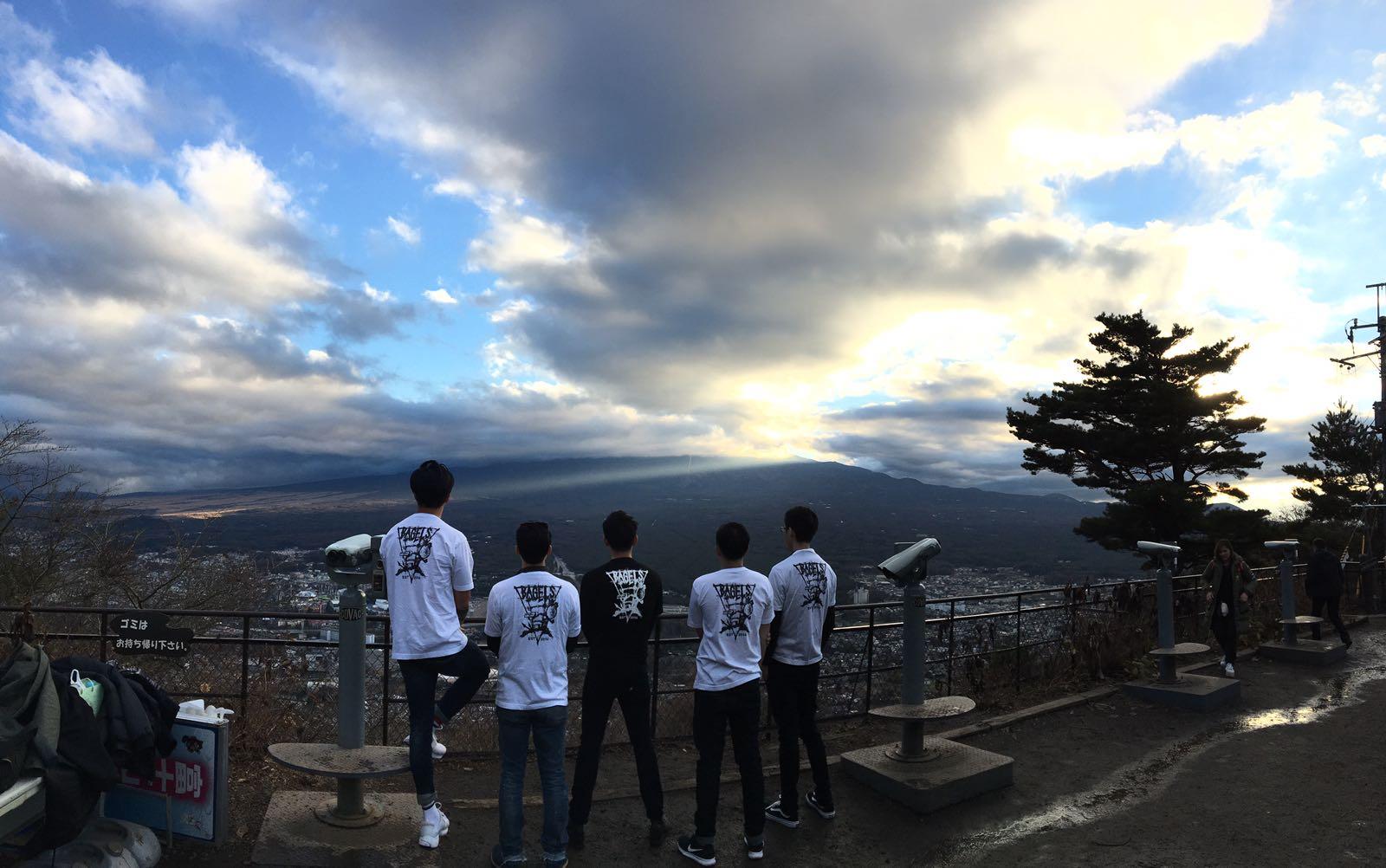 Bonding sess at Mt Fuji.