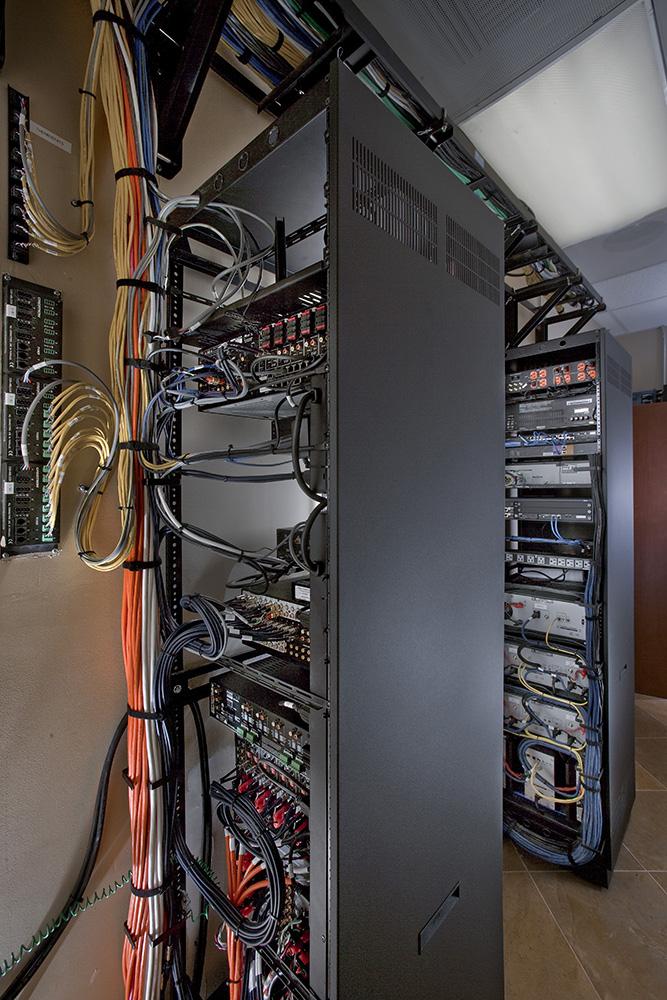 OCEC-33-Equipment_Rack_2.jpg