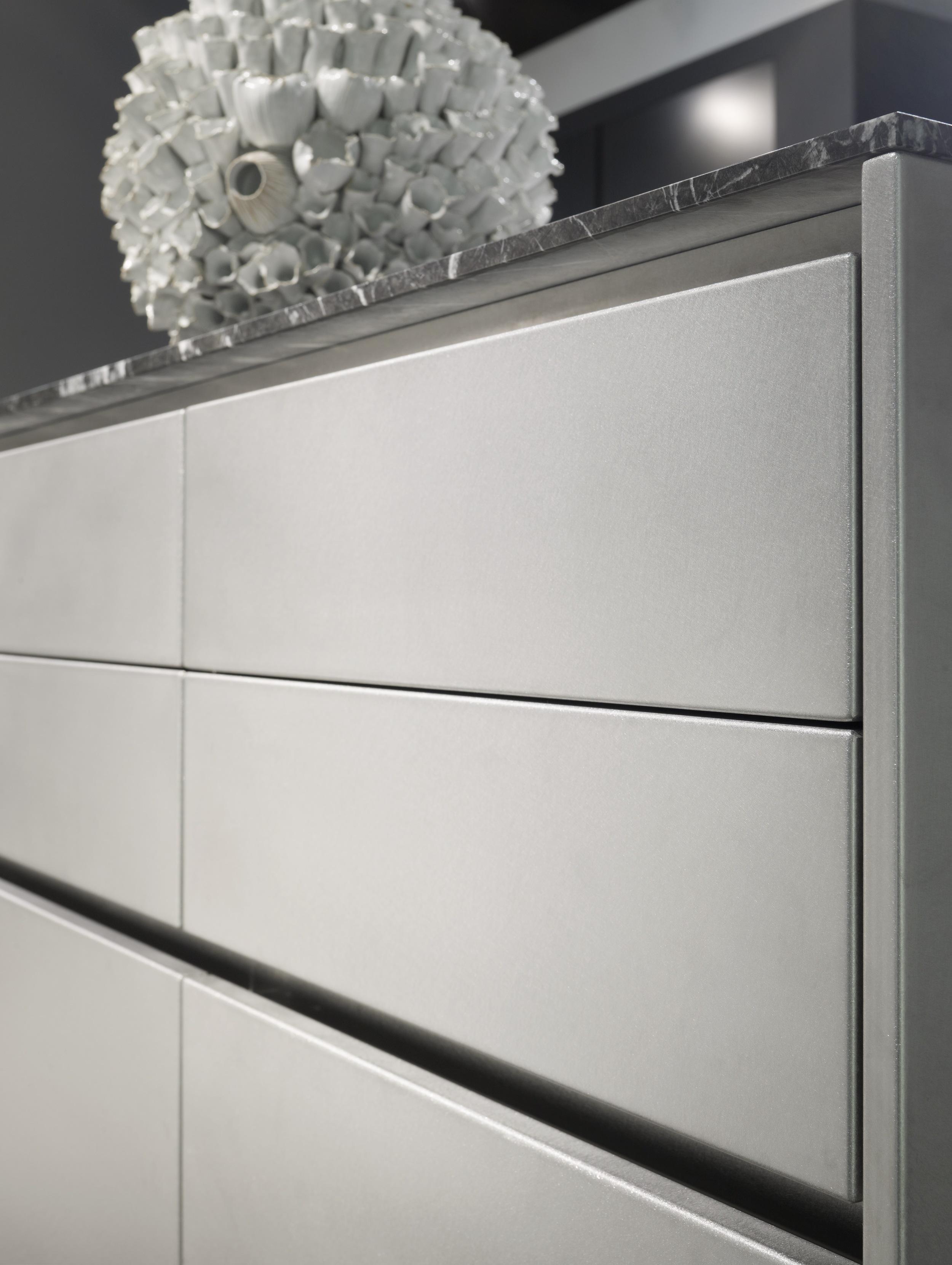 stainless_steel_matt_lacquer_detail_6.jpg