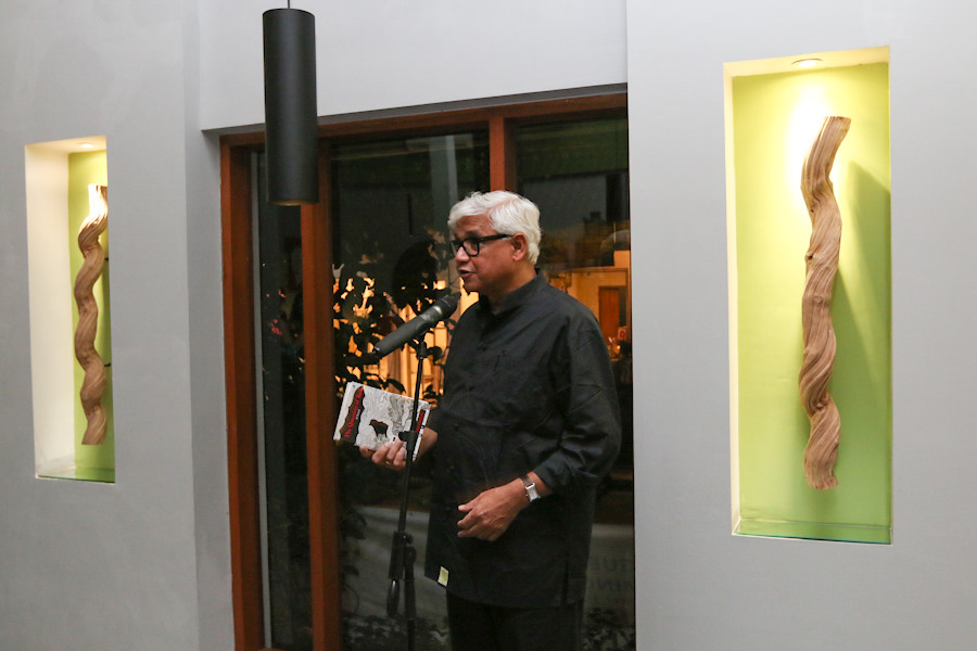 India/USA novelist Amitav Ghosh speaks at an intimate dinner. Credit: Vifick. Guess Who's Coming for Dinner. Locavore.