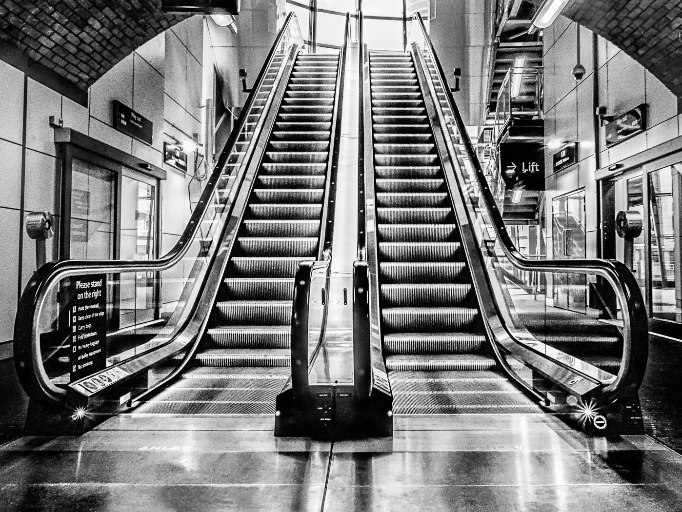 Leeds station exit.jpg