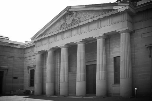 public-domain-images-free-stock-photos-down-town-chicago-tribune-building-1-1000x666.jpg
