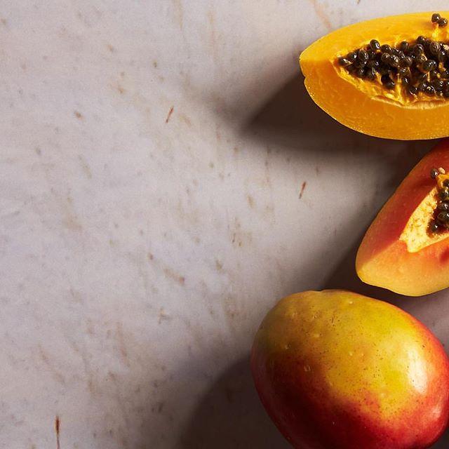A breakfast of mango & papaya. @goldbergphoto @cubacookboo #cuba #cookbook #emissaryartists #goldbergphoto