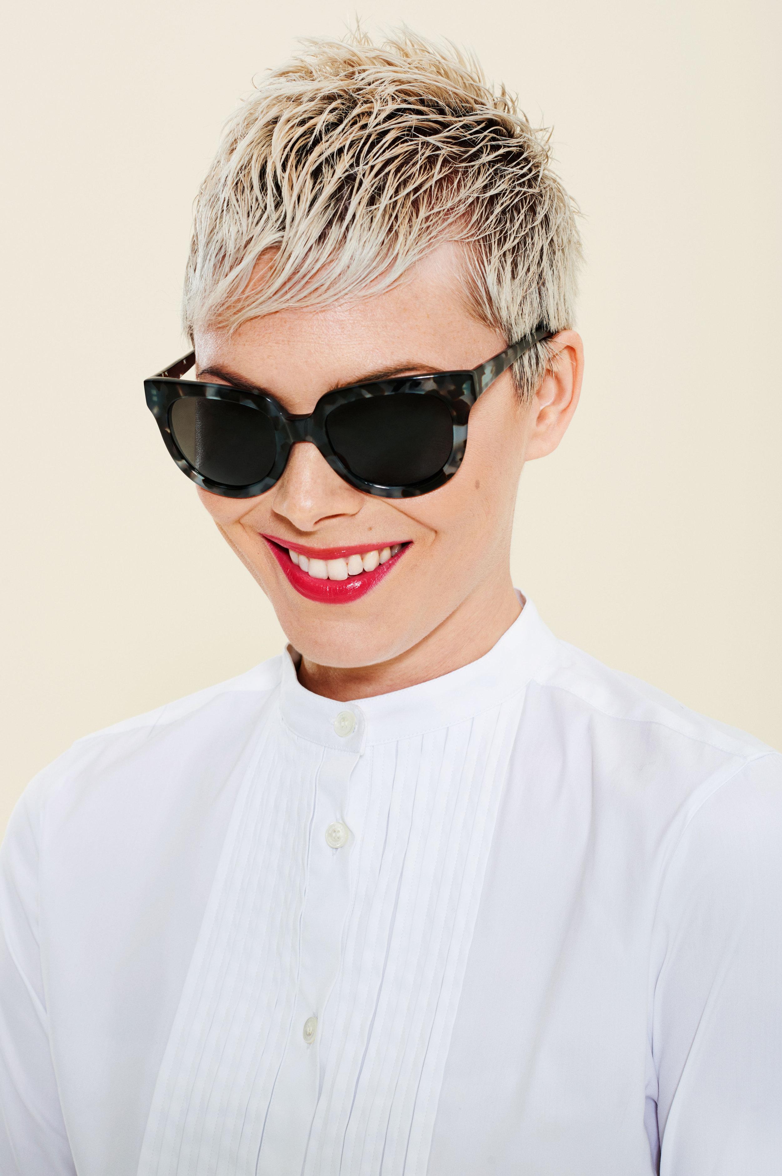 sunglasses-lipsticks-10.w4500.h6760.jpg