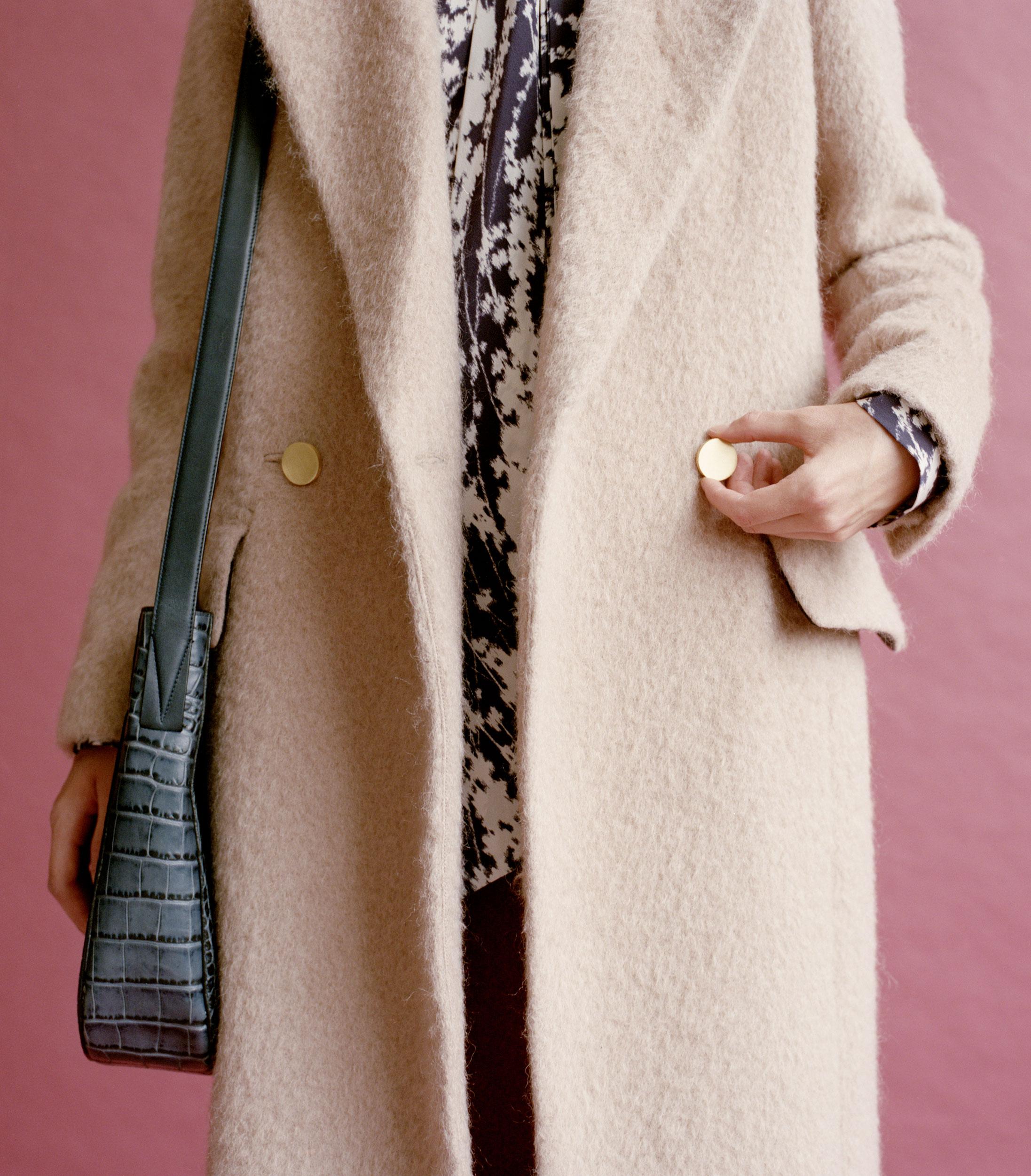 21-ootw-beige-coat-002.jpg
