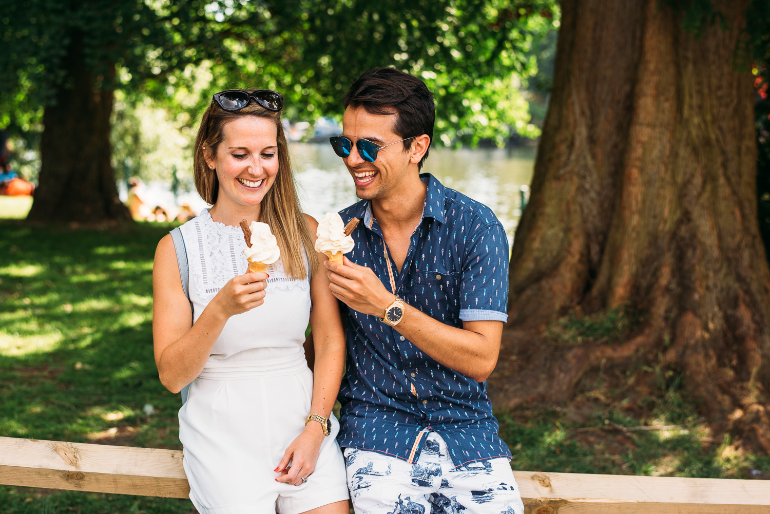 summery-richmond-park-engagement-shoot-19.jpg