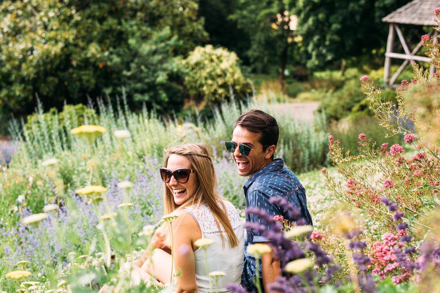 summery-richmond-park-engagement-shoot-22.jpg