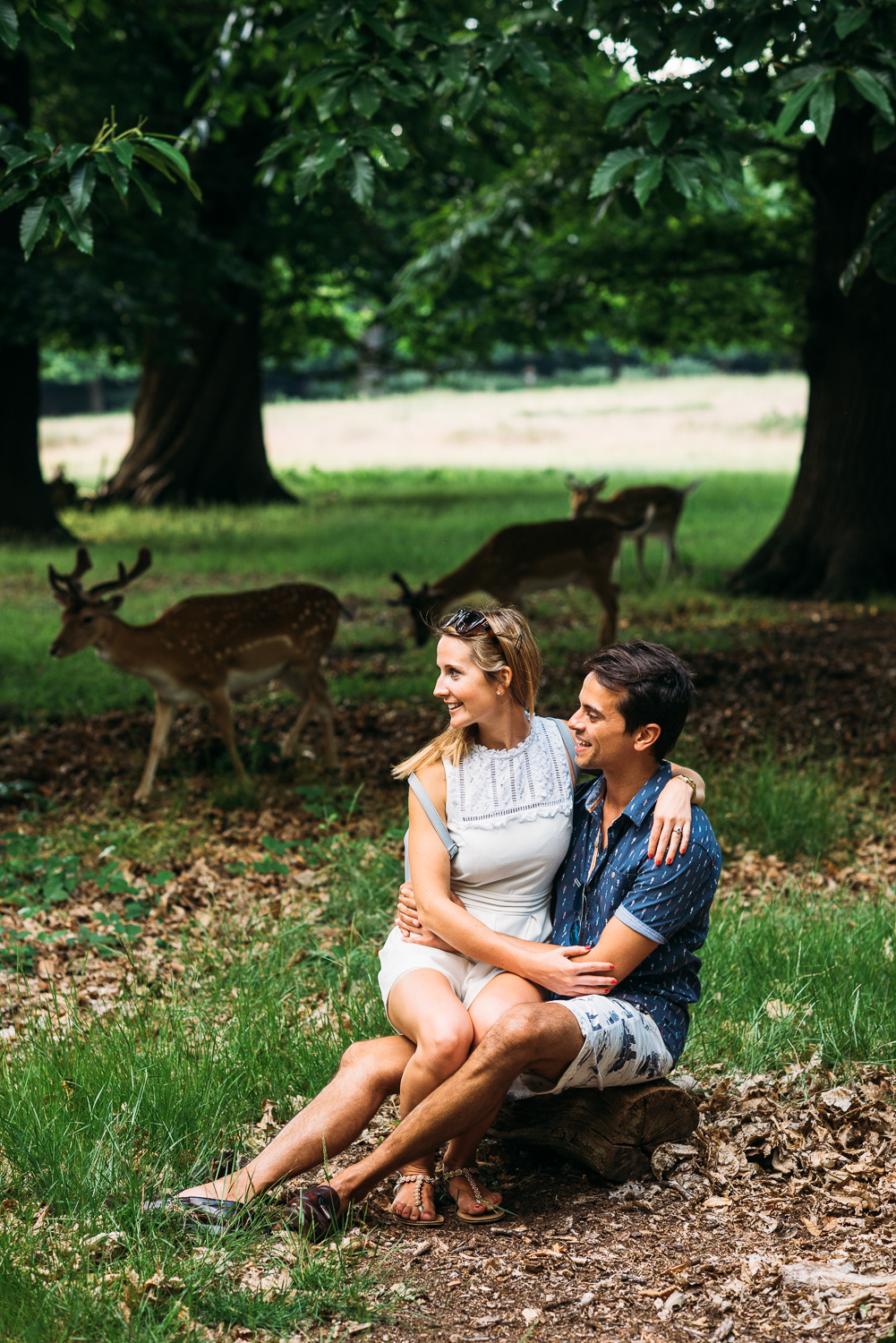 summery-richmond-park-engagement-shoot-84.jpg