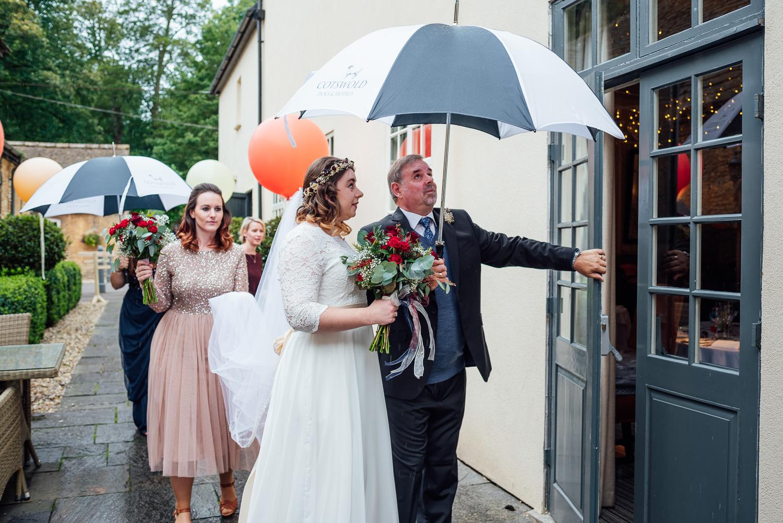 cotswolds-fun-wedding-16.jpg