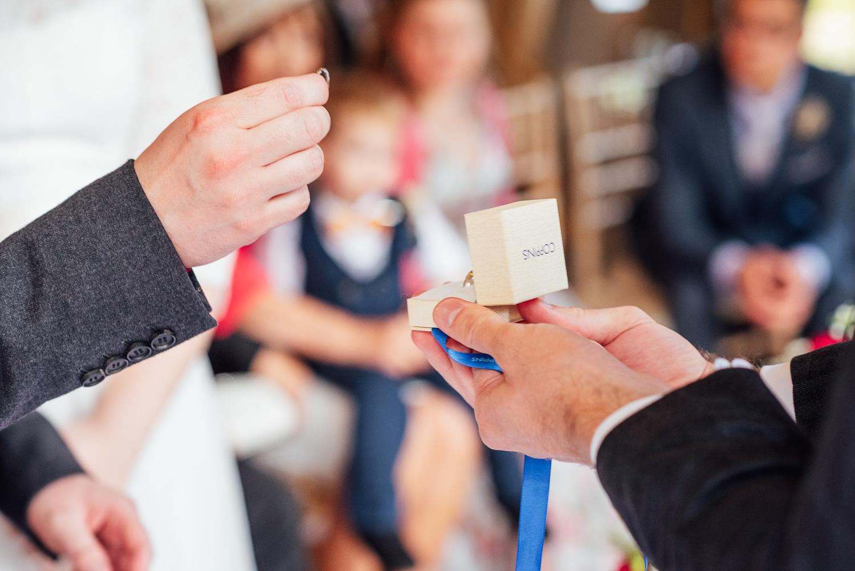 cotswolds-fun-wedding-25.jpg