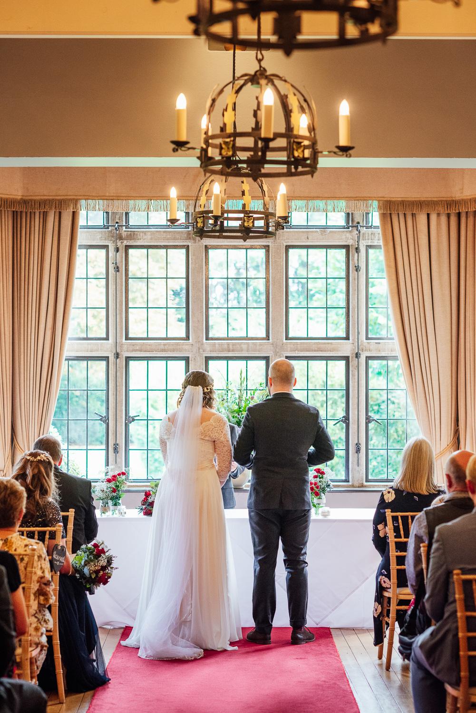 cotswolds-fun-wedding-24.jpg