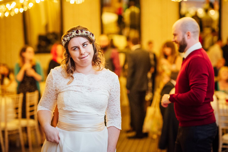 cotswolds-fun-wedding-41.jpg