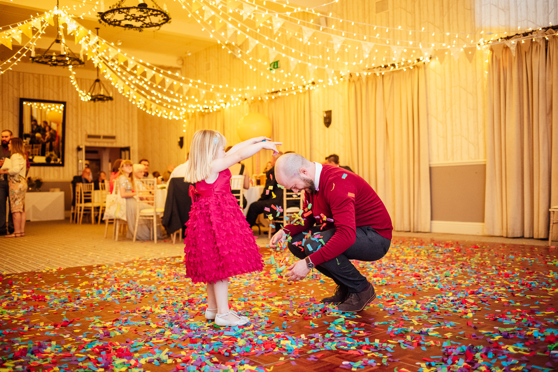 cotswolds-fun-wedding-43.jpg