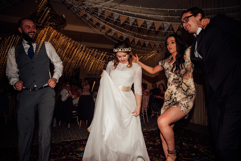 cotswolds-fun-wedding-47.jpg