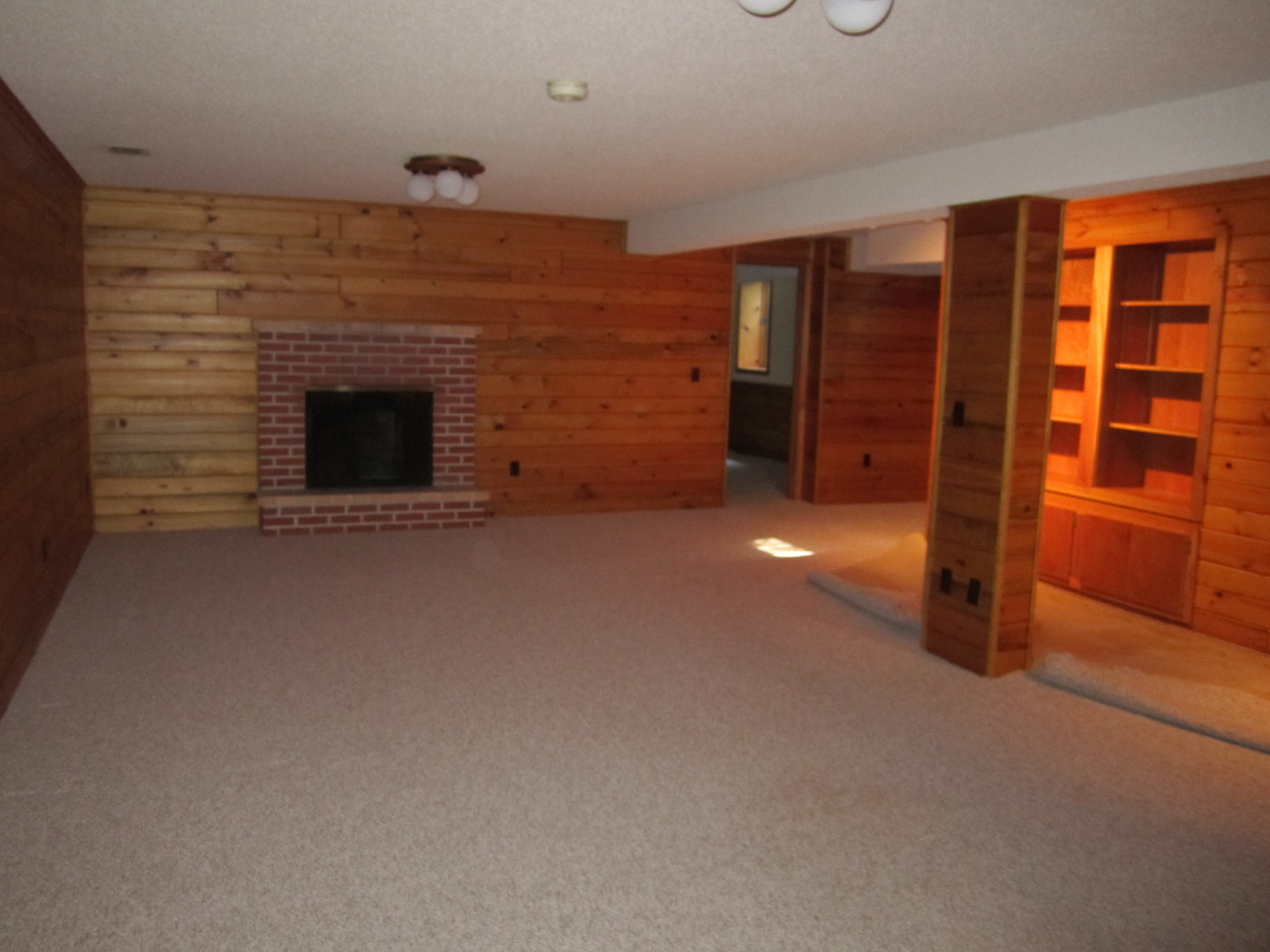 6820Oaklawnlowerlevel-before.JPG
