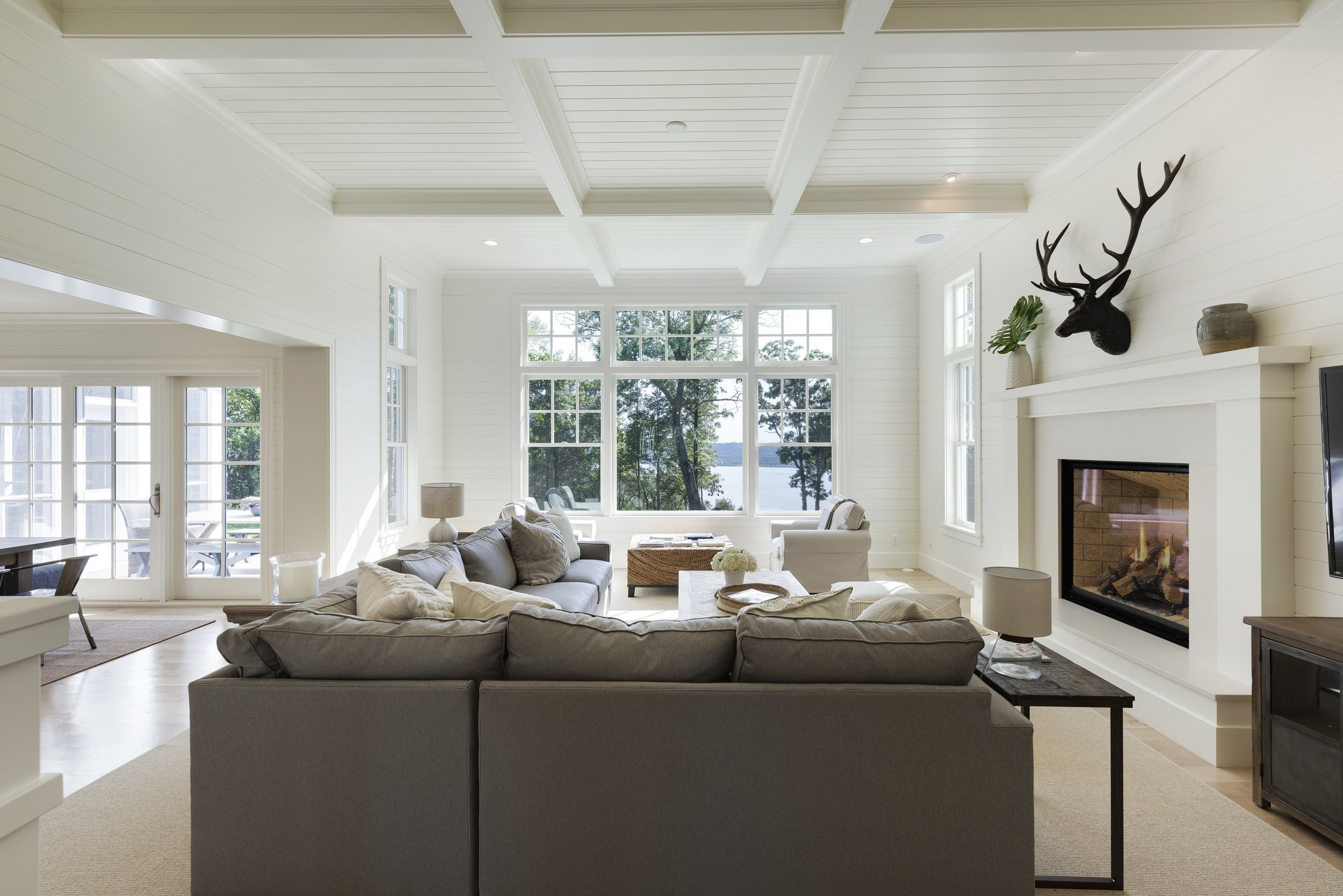 4-Birchwood-livingroom-water.jpg