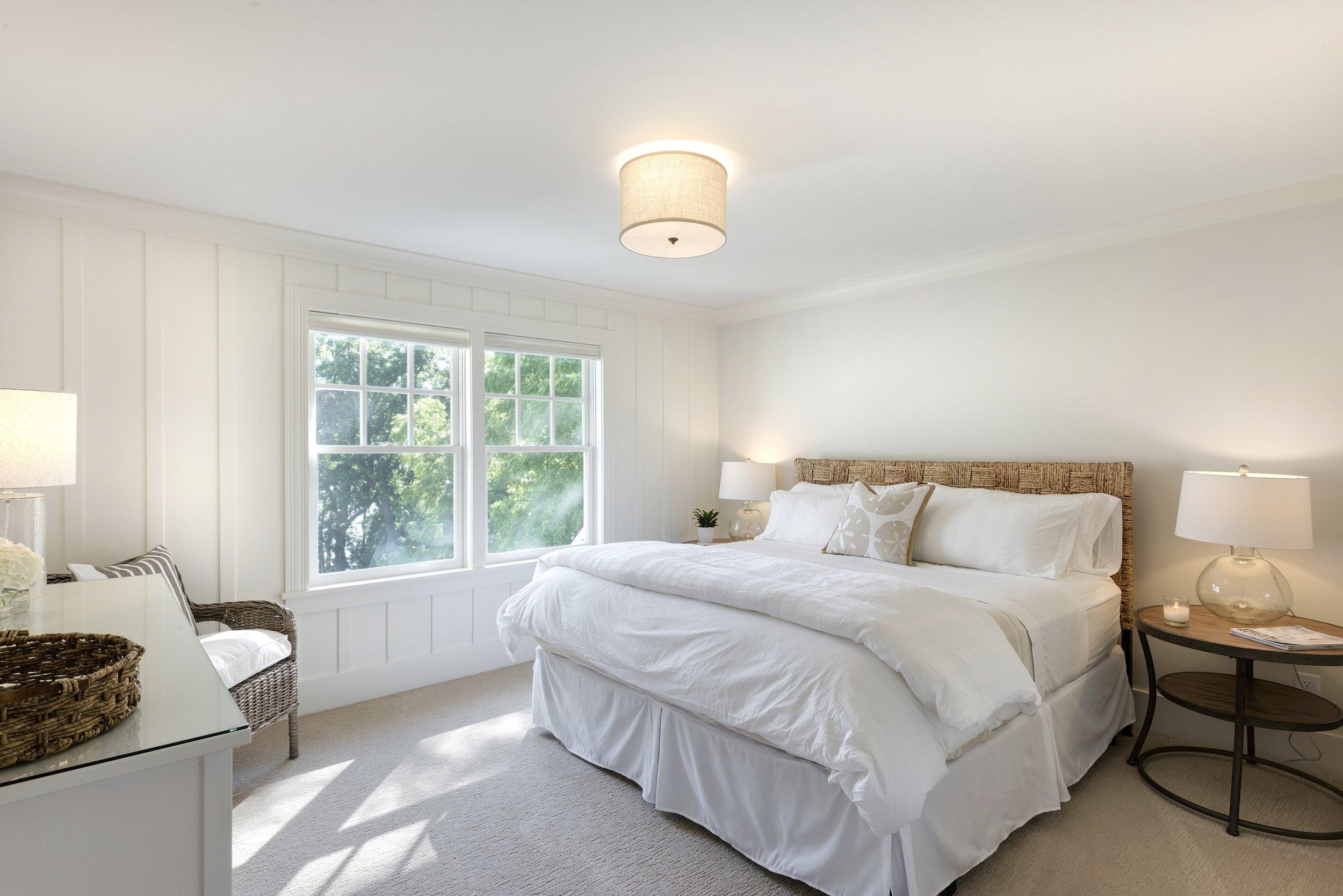 15-upstairs-bedroom.jpg