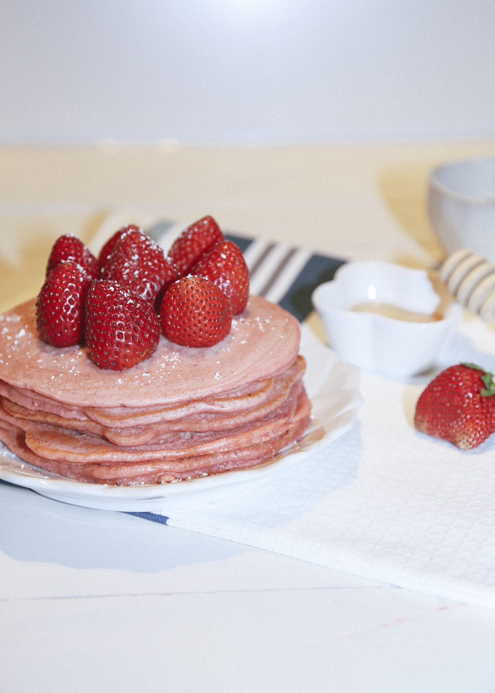 strawberry pink pancakes_24