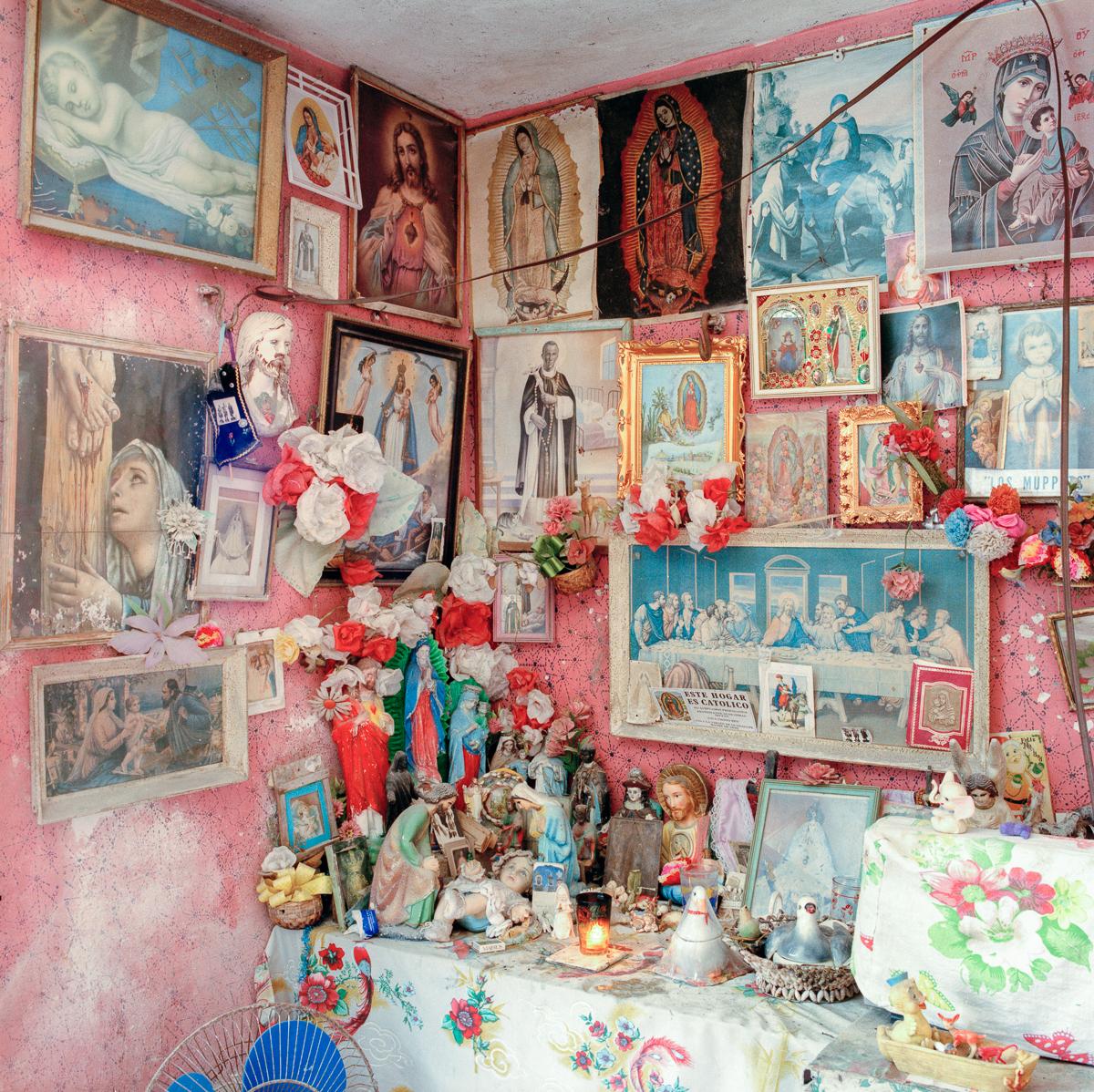 Doña Paula's Bedroom, Isla Mujeres, Quintana Roo, México 1989