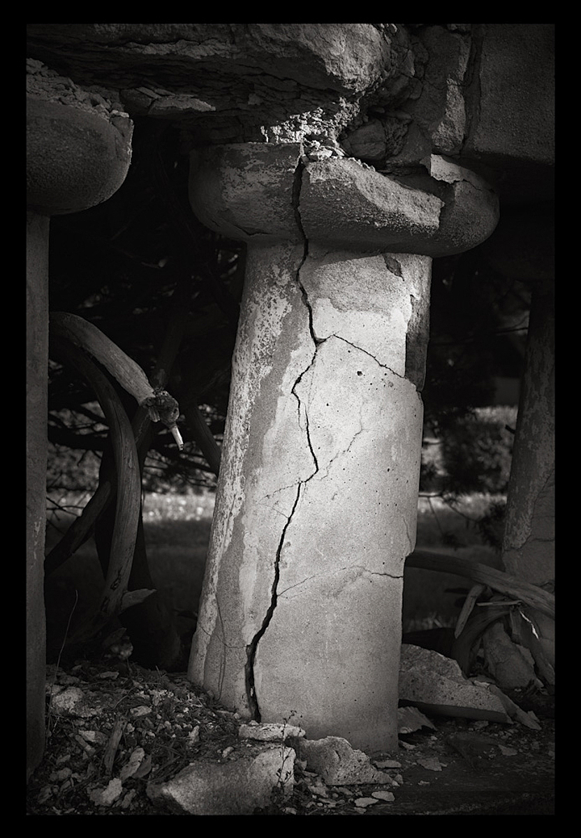 Cracked Pillar, Toronto 2010