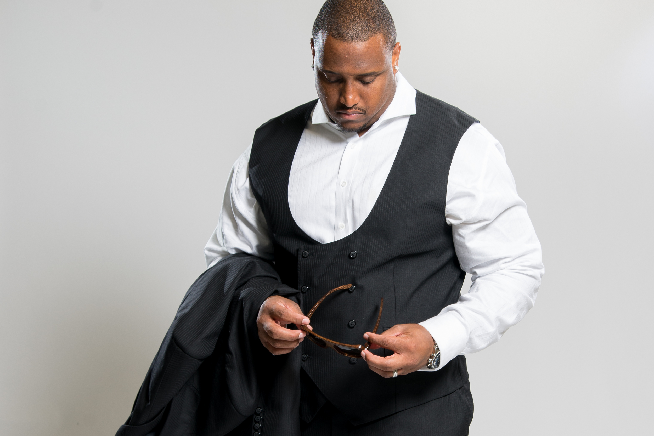 NFL Star Rob Sims Wearing William Malcolm Luxe Collection Bespoke Suit.  Detroit Bespoke Suits. Custom Suits Detroit