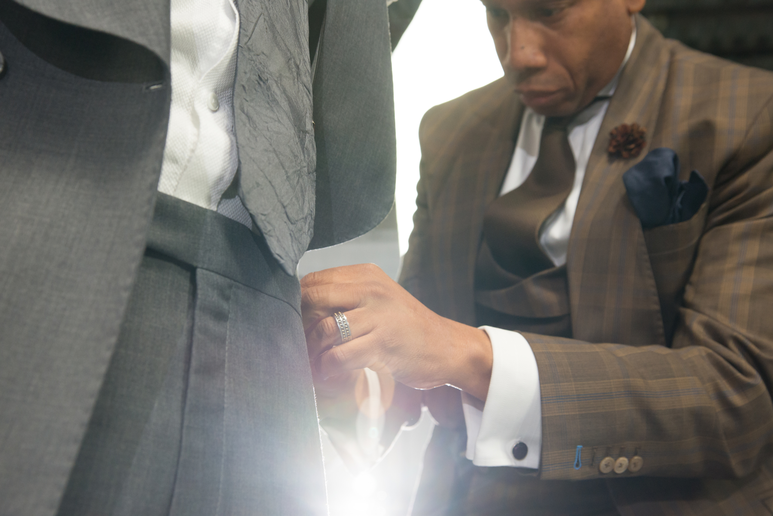 WILLIAM MALCOLM LUXE COLLECTION DESIGNS BESPOKE SUIT INSPIRED BY LINCOLN BLACK LABEL MKX/ Detroit Bespoke