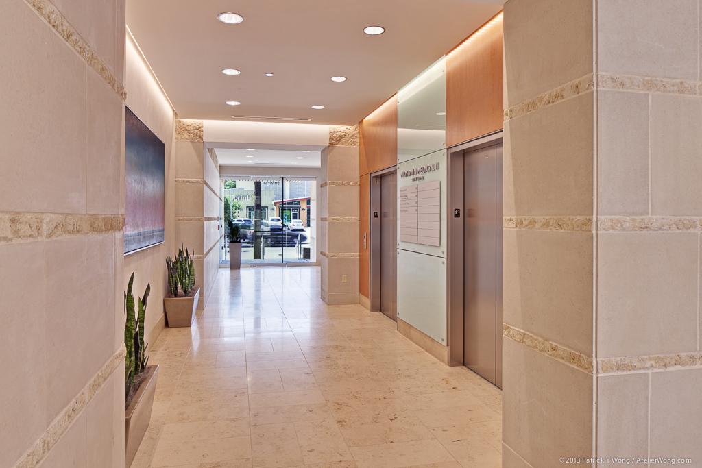 Midtown Medical 2_Lobby_Sixthriver Architects.jpg