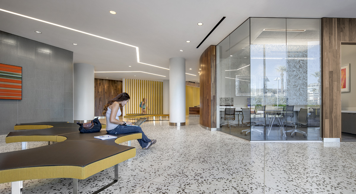 Manzanita Hall_Lobby_Sixthriver Architects.jpg