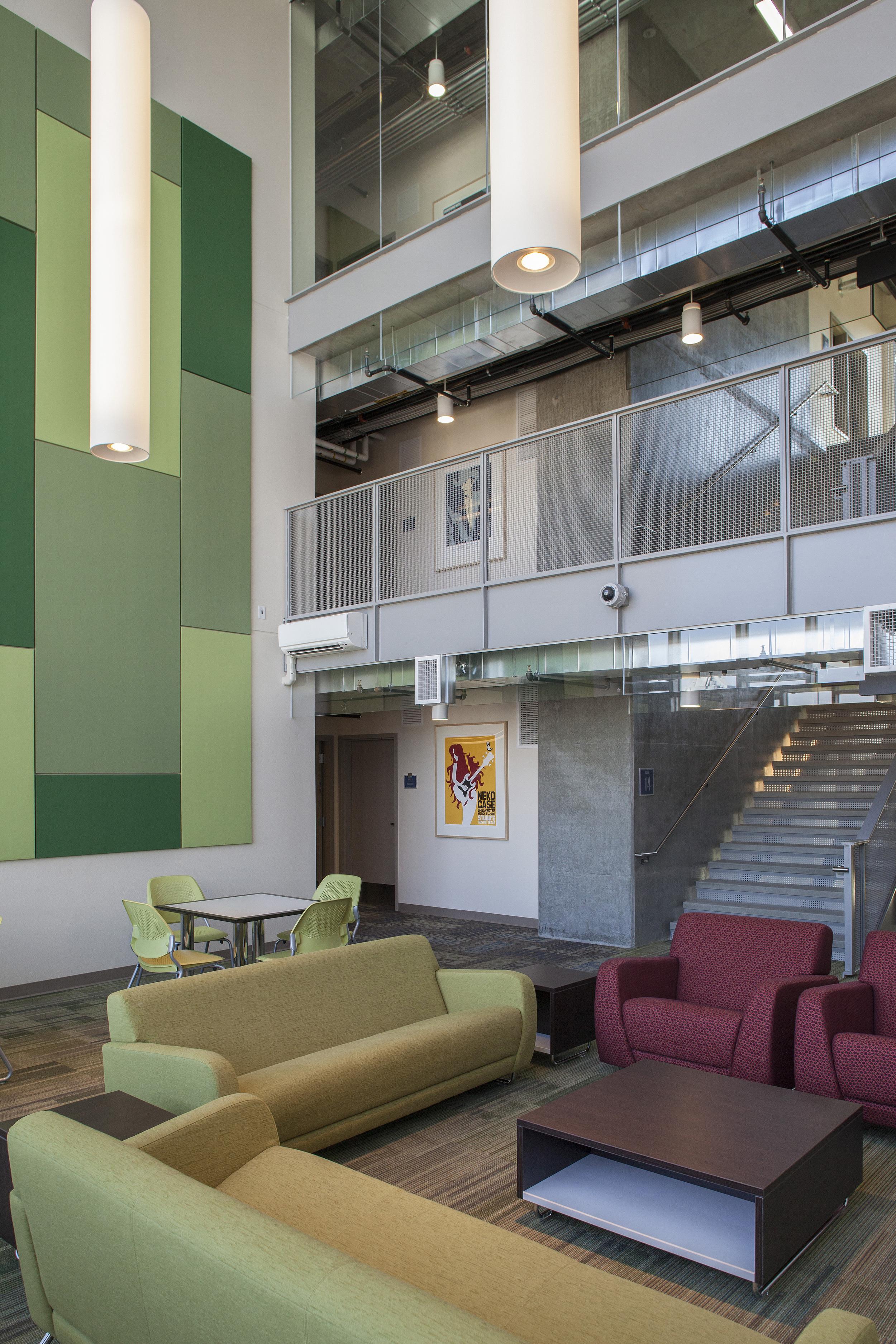 University Pointe PSU_Neighborhood Lounge_Sixthriver Architects.jpg