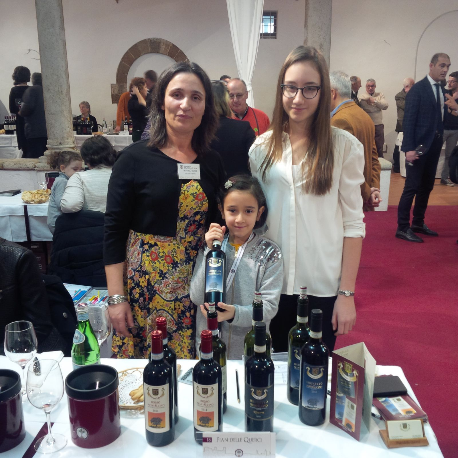 Angela Pinti and daughters Pian delle Querci.jpg