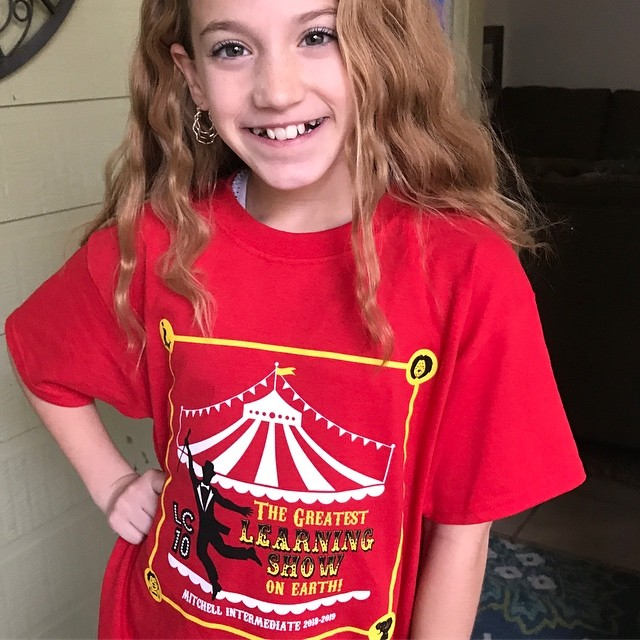 T-shirt design is my least favorite to create but how could I not design a 5th grade class shirt for this little cutie? #onlyformykiddos