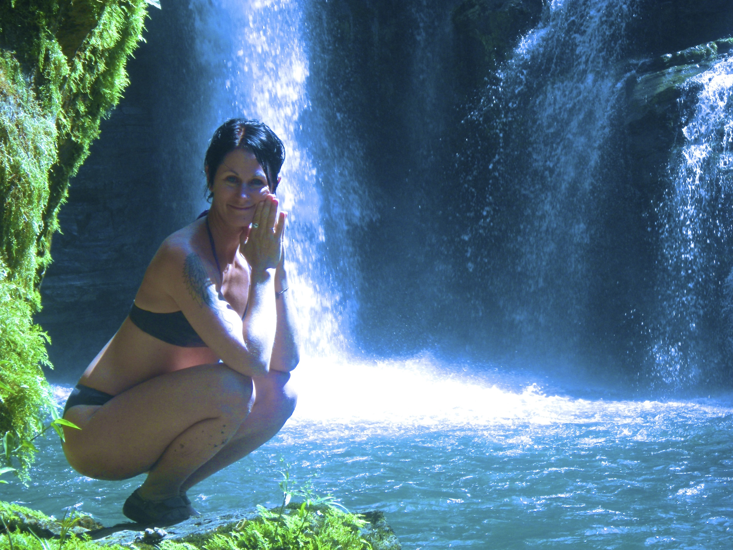 Heidi Michelle living yoga in her Costa Rican paradise!