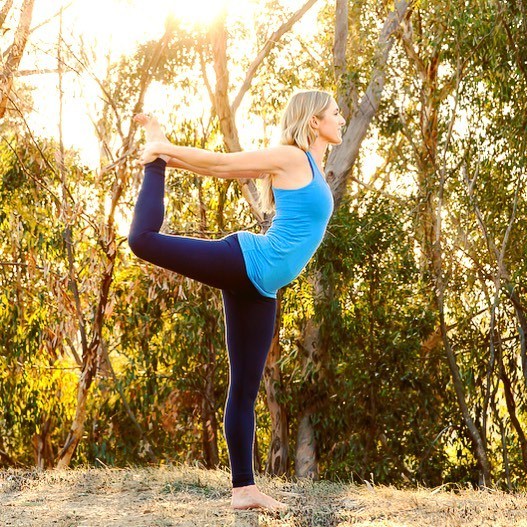 If it's Friday it must mean it's Core Awakening with Elizabeth! If you haven't tried this class yet you should really check it out, you and your core will love it. Elizabeth has been teaching at the Raven for 8 years, and did you know besides being a wonderful yoga teacher she is also a bodyworker, pilates instructor and Biofield tuner?  She loves to learn and share her passion for yoga and movement. So come and say hi and have great weekend. . . . #yoga #yogi #dancerpose #coreawakening #yogaattheraven #yogaeverydamnday #yogaposes #yogainspiration  #yogapractice #practice #silverlake #yogacommunity