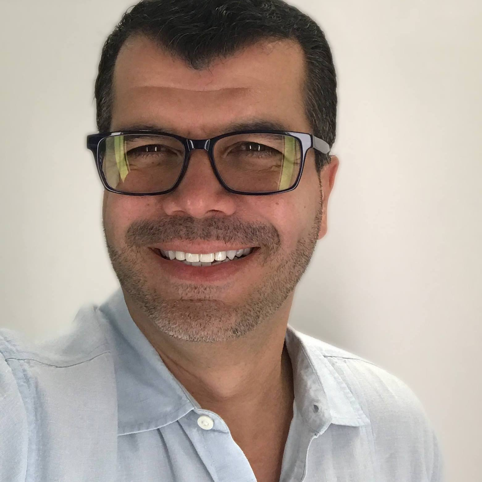 Marcos Apolonio, LCSW - Therapist