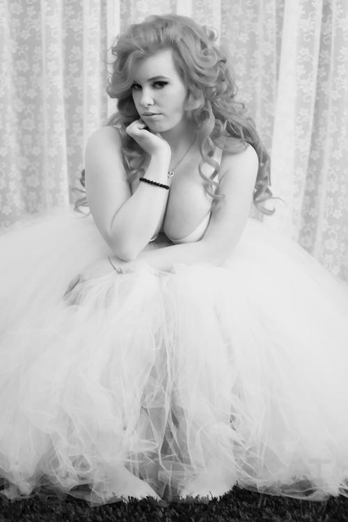 Trash Dolls Model, Bo Peep Doll rocking our Marilyn tutu with a simple white bra.