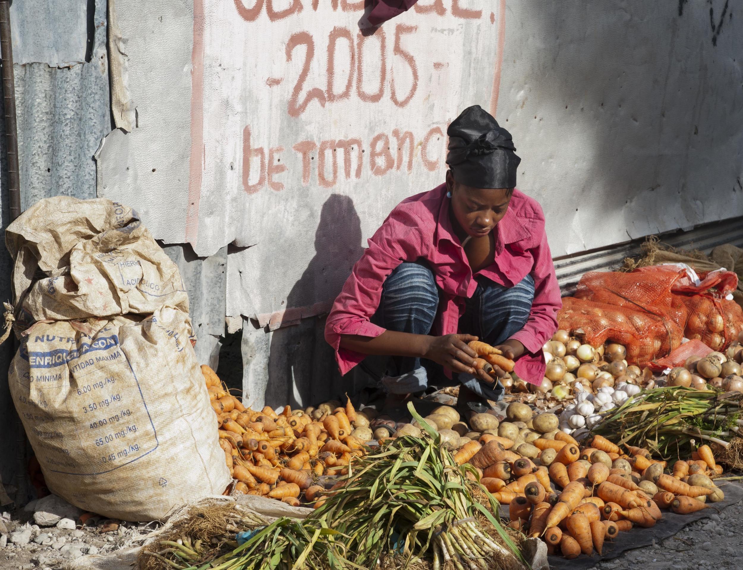Haiti-market-3.jpg