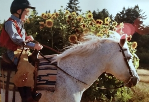 Contact us to give the gift of horseback riding