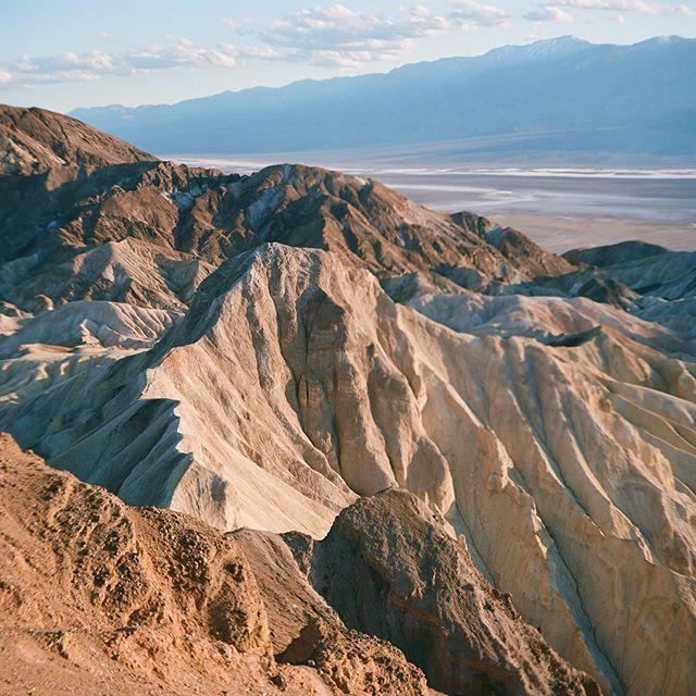 Death Valley - May 19, 2019. Shot on Ektar 100, 120 medium format film. 🎞