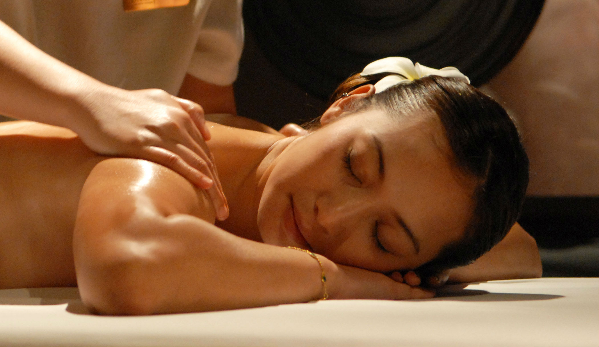 Spa Services for Beauty  and Relaxation    Coupons and Special Offers