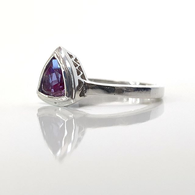 This alexandrite tho! 🔮 Thank you to Britt and Chris for letting me design a ring for your beautiful stone! Congratulations on your wedding last month! 🥂  2019 has been the year that I have really pulled back from Instagram to live mostly in real life. Doing what I need to do for myself. 🤷🏼‍♀️ It has felt great. Thanks for keeping me busy with orders and customs regardless of my intermittent posting! I'll post a few more of the fun custom pieces I got to do this year so far.  #allisonbartlinejewelry