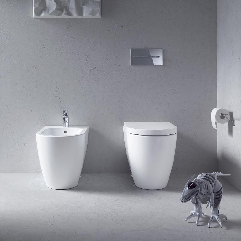 me_by_starck_toilets_01.jpg